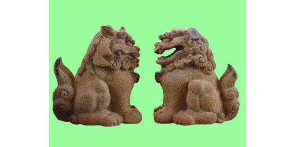 獅子・狛犬で一対